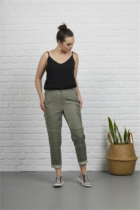 Stretch linen cargo-pants-and-leggings-Gaby's